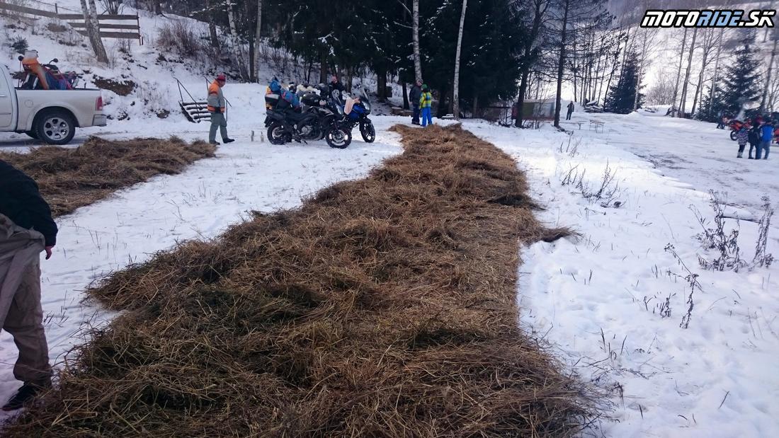 Na motorke v zime - stanovanie  motoride.sk d9697a1580