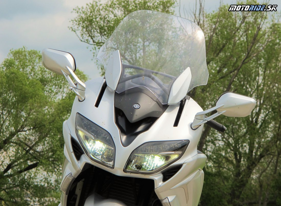 Yamaha FJR1300AS  2016 - sexi LED svetlá